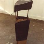 1984-z. t.- ijzer, hout, klei, 90x30x30cm