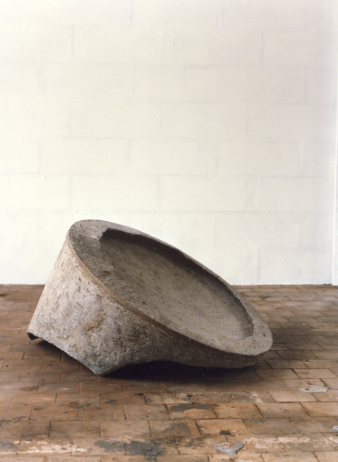 1988-z.t.-aluminiumcement, staal, 100x70cm