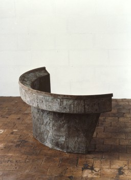 1989-z.t.-aluminiumcement,-staal, 130x90x65cm