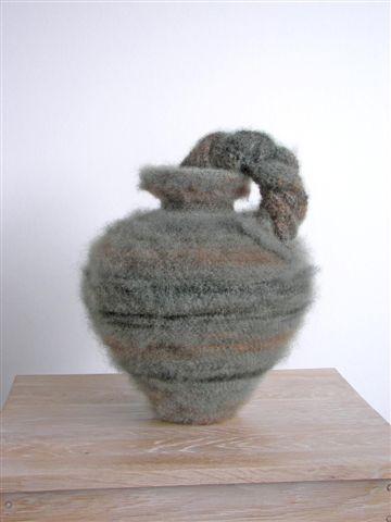 2007-10-Nee, geen amfora , wol, glas, 43x32 cm