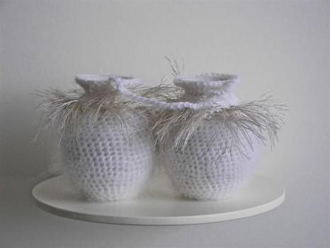 2007-11-zonder titel, porselein, wol, aluminiumgaren, 24x12x15cm