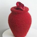2007-4-zonder titel, aardewerk, wol, 22x36cm