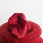 2007-4-zonder titel, aardewerk, wol, 22x36cm-detail