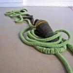 2010-wortelen, wol om touw en aardewerk, 400x60x39cm