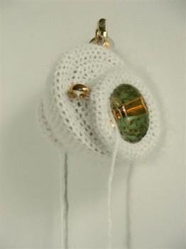 2010-zonder titel wol, porselein, 10x44cm