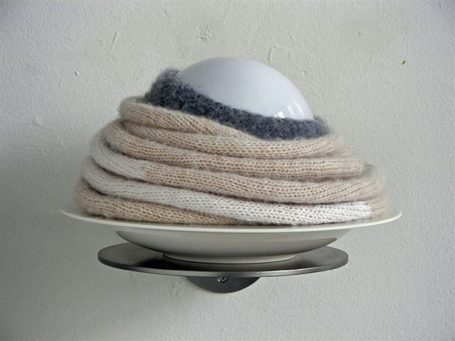 2011-zonder titel, wol, glas, porselein op rvs
